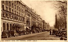O'Connell Street - Gresham Hotel | Flickr - Photo Sharing! Dublin House, Dublin City, Old Pictures, Old Photos, Georgian Architecture, City Library, Photo Engraving, Irish Celtic, Ireland