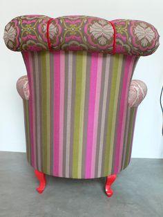 Ateliando - Customização de móveis antigos: Poltronas  Com estrutura em madeira maciça feito em nossa marcenaria e laqueação em vermelho intenso com alto brilho...