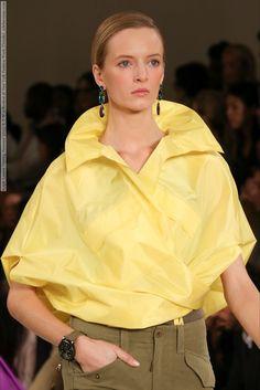 Ralph Lauren (Spring-Summer 2015) R-T-W collection at New York Fashion Week (Details)  #NewYork #RalphLauren See full set - http://celebsvenue.com/ralph-lauren-spring-summer-2015-r-t-w-collection-at-new-york-fashion-week-details/