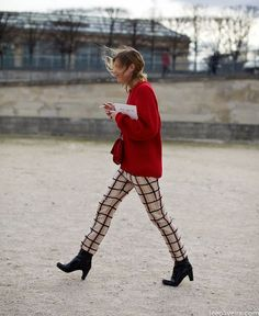 40 Stylish Ways to Wear Plaid Trousers for Winter