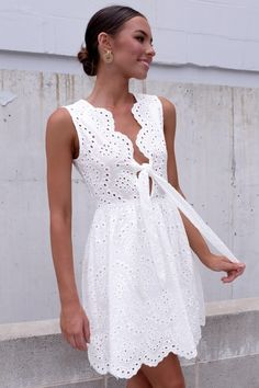 Festival Outfit Large white dress Grande Source by dresses classy Simple Dresses, Day Dresses, Cute Dresses, Dress Outfits, Casual Dresses, Short Dresses, Fashion Dresses, Summer Dresses, Lace Dress