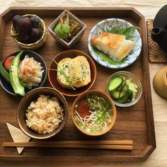 ある日の朝ごはん Japanese Dishes, Japanese Food, Asian Recipes, Healthy Recipes, Food Decoration, Aesthetic Food, Korean Food, Food Presentation, Food Design