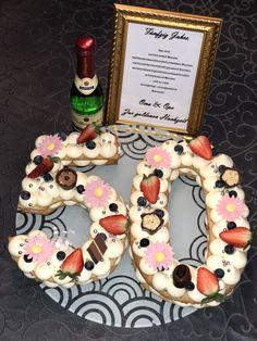 Birthday Cake, Sugar, Cookies, Desserts, Food, Gold Weddings, Crack Crackers, Tailgate Desserts, Deserts