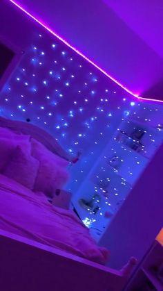 Neon Bedroom, Room Design Bedroom, Girl Bedroom Designs, Room Ideas Bedroom, Diy Bedroom Decor, Bedroom Decor For Teen Girls, Teen Room Decor, Dream Teen Bedrooms, Indie Room