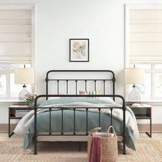 Beautiful Home Decor, Beautifully Priced Bedding Master Bedroom, Farmhouse Master Bedroom, Master Bedroom Makeover, Closet Bedroom, Dream Bedroom, Black Iron Beds, Black Metal Bed Frame, Hm Outfits, Upholstered Platform Bed