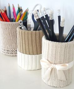 Kleines Chaos-Management… - Diy and Crafts Home Crafts, Diy Home Decor, Diy Crafts, Fabric Crafts, Pot A Crayon, Tin Can Crafts, Fabric Boxes, Idee Diy, Diy Desk