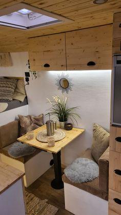 Buddies stellen sich vor: Peugeot Boxer-Camper von Anni und André Diy Van Camper, Build A Camper, Diy Van Conversions, Camper Van Conversion Diy, Small Living, Home And Living, Caravan Van, Tiny Mobile House, Transit Camper