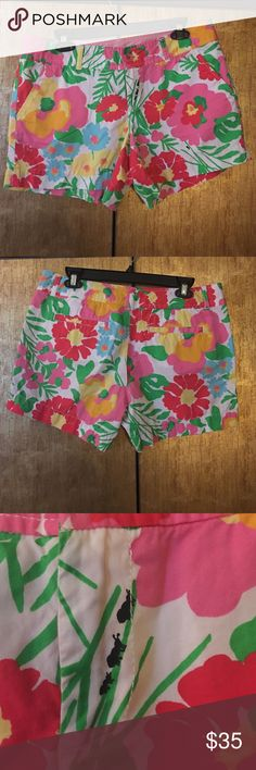 Lily CALLAHAN shorts fun pattern Super bright and fun flower pattern with random ants. Lilly Pulitzer Shorts