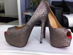 Glitter High Heel á la Louboutin. Neu!! Nich nie getragen!!!! Größe 37.