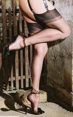 Stocking bondage loose heels video