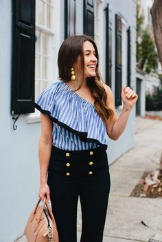 Liz Adams styles a nautical look in Charleston, wearing Milly Top and Sezane Pants - Sequins & Stripes Nautical Outfits, Nautical Fashion, Nautical Theme, Cute Summer Outfits, Classy Outfits, Sequins And Stripes, City Outfits, Sailor Fashion, Comfortable Outfits