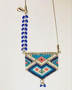 Collier tissage perles Miyuki argenté, rose, bleu marine et blanc