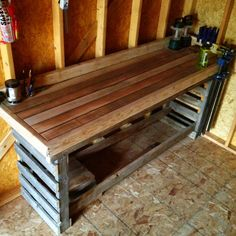 Work bench made from pallets and fence posts. Thinking about building a workbench like this all around my garage. Pallet Work Bench, Pallet Shelves, Work Benches, Pallet Crafts, Diy Pallet Projects, Home Projects, Pinterest Pallets, Building A Workbench, Pallet Creations