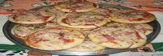 Aprenda a fazer Mini Pizza! Acompanhe o passo-a-passo com fotos explicativas e aproveite para ver as outras receitas fáceis e rápidas...