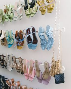 Inside Alyssa Coscarellis NYC Apartment shoe storage ideas Related posts:Play All Day Platforms, - Sneakers aus Nubukleder, Braun, 8 - Shoes Comfortable and Stylish Nike Shoes to Shine Ikea Curtain Rods, Ikea Curtains, Burlap Curtains, Cute Shoes, Me Too Shoes, Women's Shoes, 90s Shoes, Shoes Tennis, Tennis Sneakers