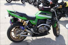 ROAD RIDER: Street motorcycle in Japan - Kawasaki ZRX1200 DAEG Custom Bike