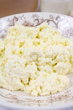 How To Make Ricotta Cheese - Why buy ricotta cheese when it's unbelievably easy and cheap to make? Healthy, low in fat, gluten-free and vegetarian - takes less than 30 mins to make!! @almondtozest