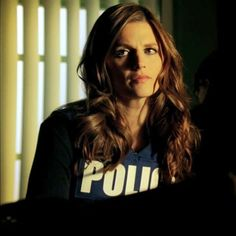 I am in love with her hair! Kate Beckett- Castle