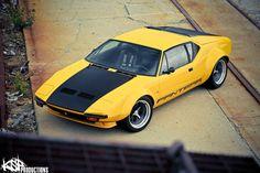 De Tomaso Pantera, yellow and matte black cool combi..