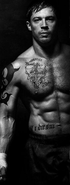 Tom Hardy Workout | Tom Hardy Workout and Diet - MovieBody.com – Celebrity Workout, The ... Tom Hardy Warrior Workout, Tom Hardy Bane Workout, Tom Hardy Mad Max, Tom Hardy Hot, Celebrity Workout, Celebrity Diets, Celebrity Crush, Celebrities With Tattoos, Hardy Actor