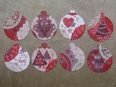 Boules de Noël en bois, papiers scrap', dentelles en papier peintes, transferts... Ƹ̵̡Ӝ̵̨̄Ʒ Nouillelfique