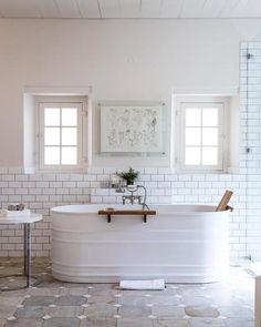 Home Remodeling Modern Get Naked Tub/Shower/Mirror Decal Bathtub Shower Doors, Shower Mirror, Shower Grout, Shower Enclosure, White Bathroom, Modern Bathroom, Bathroom Ideas, Bathtub Ideas, Bathroom Interior