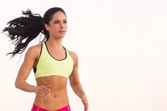 IFBB PRO athlete Anette De La Rosa shares her fitness tips for life on the road. Born in Mexico and raised in San Diego, Anette has traveled all over North America and beyond. Traveling Teacher, Body Weight Training, Travel Workout, Cover Model, Confident Woman, Stay Fit, Personal Trainer, How To Stay Healthy, Fitness Tips