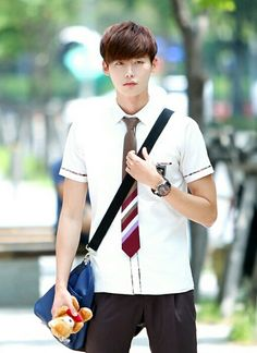 Looks to die for...... LEE JONG SUK is really ajsjkfgsjkfnsljhfjs... ♥___♥