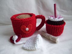 Valentine Tea Cup Cupcake Setcrochet play food by KTBdesigns, $10.00