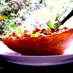 spaghetti squash baked with evaporated tomatoes / pieczona nadziewana dynia - DoradcaSmaku.pl
