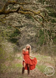 senior girl photography posing ideas #photography | Chloe Ramirez