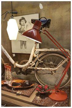 en valnot podrs encontrar objetos retro decoracin vintage reciclaje un taller de restauracin