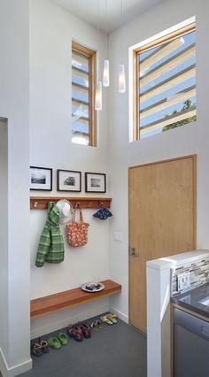 modern architecture - houzz - cloud street residence - san francisco - interior view - mud room