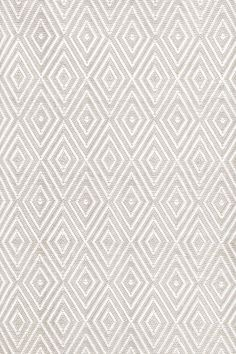 Dash and Albert Rugs Diamond Platinum & White Indoor/Outdoor Area Rug & Reviews | Wayfair