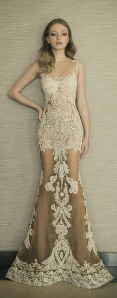 vestido longo em renda nude