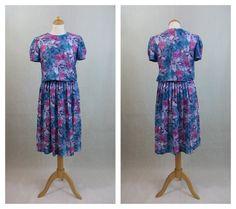 80s vintage dress. Violet floral print tones dress. by ElHospicio