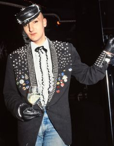The Original Club Kids: Stephen Jones Fashion Tag, Only Fashion, Club Fashion, 80s Fashion Kids, Club Style, My Style, Goth Club, Leigh Bowery, Blitz Kids