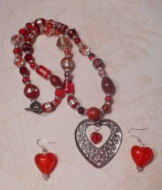 Red with heart glass bead handcrafted necklace earring set  $25.00 via cutielilkitty4u - Bonanza