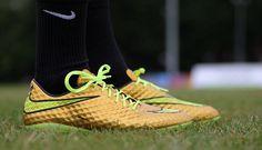 Nike HyperVenom Gold.  Neymar