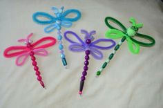 Dragonflies (pfeifenputzer) - Quick, Easy, Cheap and Free DIY Crafts Insect Crafts, Bug Crafts, Camping Crafts, Nature Crafts, Crafts To Do, Preschool Crafts, Craft Projects, Crafts For Kids, Arts And Crafts