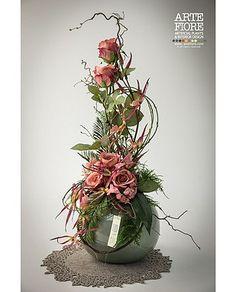 composizioni floreali - Cerca con Google Contemporary Flower Arrangements, Tropical Floral Arrangements, Ikebana Flower Arrangement, Church Flower Arrangements, Silk Arrangements, Bridal Shower Flowers, Glass Centerpieces, Arte Floral, Artificial Flowers