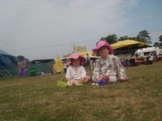 10 tips to enjoy (or survive) festivals with KIDS!