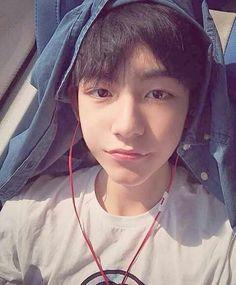 Imagen de ulzzang, haodong, and ma haodong Korean Boys Ulzzang, Cute Korean Boys, Asian Cute, Ulzzang Couple, Korean Men, Asian Boys, Ulzzang Girl, Asian Men, Korean Girl