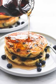 This is my favorite recipe for the ULTIMATE Extra Super Fluffy Blueberry Pancakes! The fluffiest blueberry packed buttermilk pancakes EVER. Buttermilk Pancakes Fluffy, Blueberry Pancakes, Breakfast Pancakes, Breakfast Dishes, Breakfast Sandwiches, Blueberry Recipes, Sunrise Breakfast, My Favorite Food, Favorite Recipes