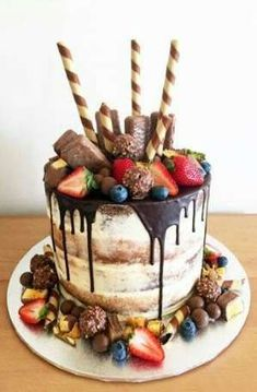 Ideas Birthday Cake Ideas For Him Guys For Him For 2019 cake decorating recipes kuchen kindergeburtstag cakes ideas Birthday Cakes For Men, Homemade Birthday Cakes, Birthday Ideas, Chocolate Birthday Cake For Men, Chocolate Birthday Cake Decoration, Birthday Gifts, Boyfriend Birthday Cakes, Chocolate Candy Cake, Decoration Birthday
