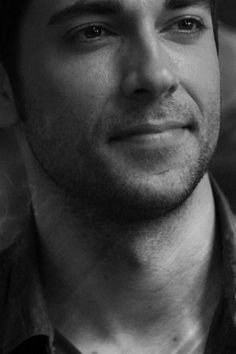 Zachary Levi