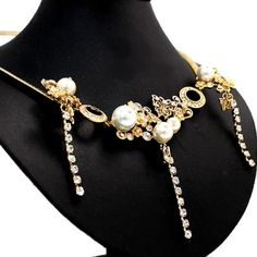Radiant Butterfly and Imitated Pearl with Earring Gift Box Necklace Set NS1472