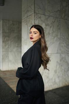 H / Laura Matuszczyk: Armani Beauty Dark Fashion, Denim Fashion, Beautiful Dresses, Nice Dresses, Clueless Outfits, Armani Beauty, Casual Street Style, Fall Trends, Pretty Face