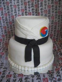 Tae Kwon Do Cake - If he continues in TKD, I have found Colton's next B-day cake.