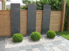 Imaginer un mur rythmé par différents matériaux / couleurs, pour le mur de droite de la terrasse couverte